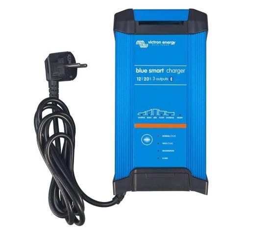 Cargador de baterías Victron Blue Smart IP22 12/20 A - 3 salidas